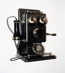 15 ianuarie 1913- Prima linie telefonica intre Berlin si New York