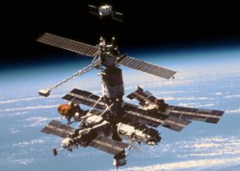 MIR -  Statia Orbitala Mamut